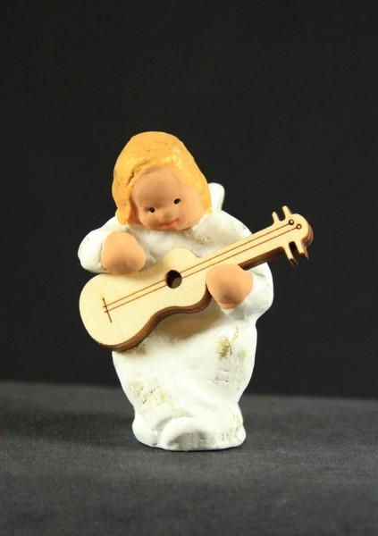 Engel Ulla mit Gitarre